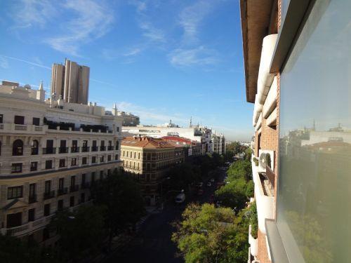 Pta. Alcalá – piso de lujo con garaje directo, 2 plazas